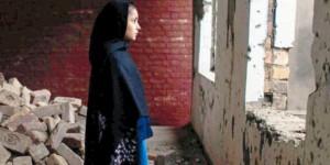 escuela destruida en Pakistán