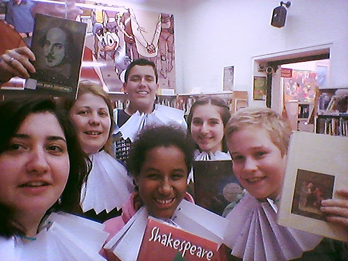 Selfie Bibliotecario Shakespeare