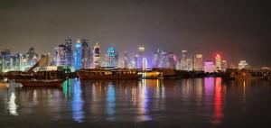 Skyline nocturno de Doha